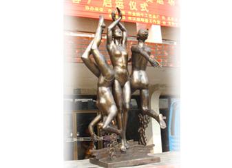 北戴河2008年奥运会水上运动铸造永久存放雕塑(出水芙蓉)2003年通高4.2米